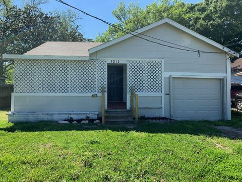 Photo of 1012 Roosevelt St, La Marque, TX 77568