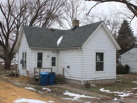 Photo of 113 Douglas Ave, Dixon, IL 61021