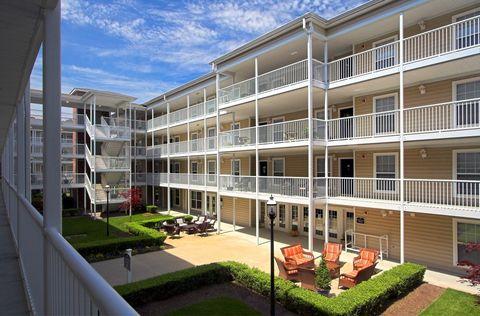 1056 Centerbrooke Ln, Suffolk, VA 23434. Apartment For Rent