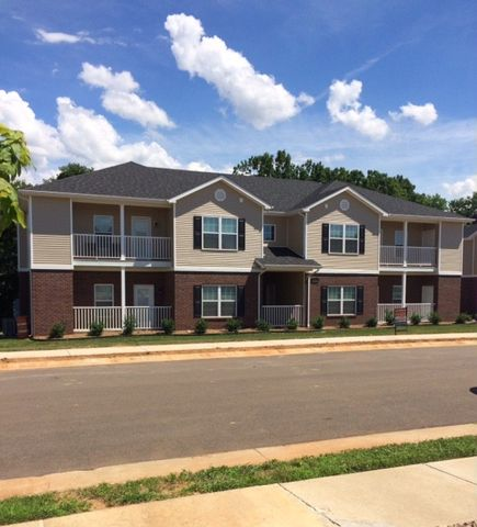 Photo of 706 Village Creek Dr, Bowling Green, KY 42101