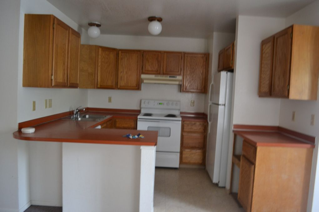 653 W Fairview Ave Apt G, Homer, AK 99603