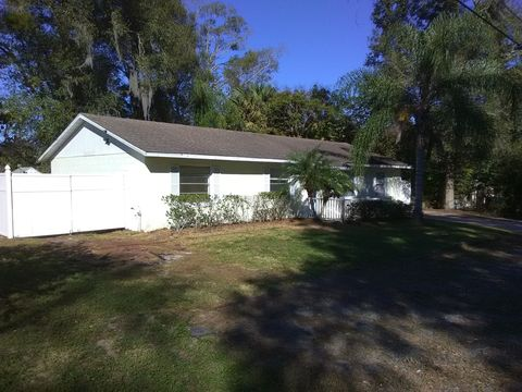 Photo of 1349 E Wisconsin Ave, Deland, FL 32724