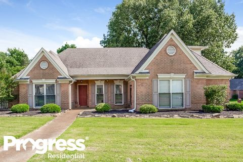 Photo of 8877 Bridlewood Ln, Cordova, TN 38016