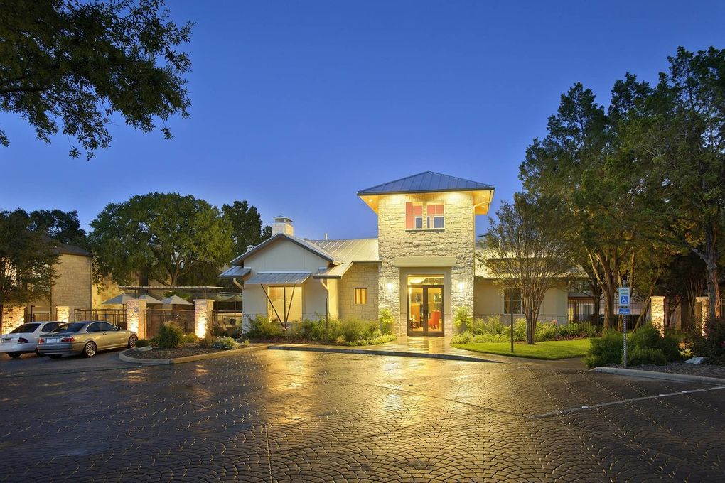 2800 Bartons Bluff Ln, Austin, TX 78746