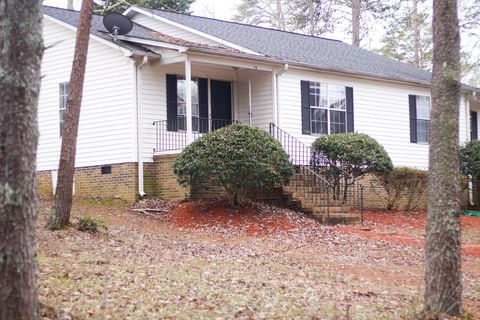 Photo of 4 Shore Dr # B, Greenville, SC 29611