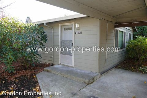 Photo of 12506-12508 Se Shell Ln, Milwaukie, OR 97222