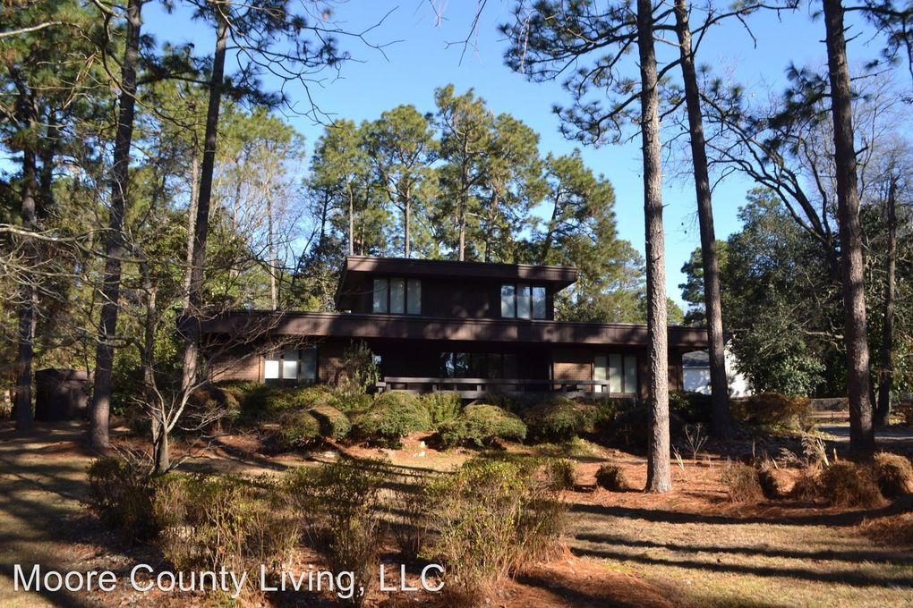 915 E Indiana Ave, Southern Pines, NC 28387