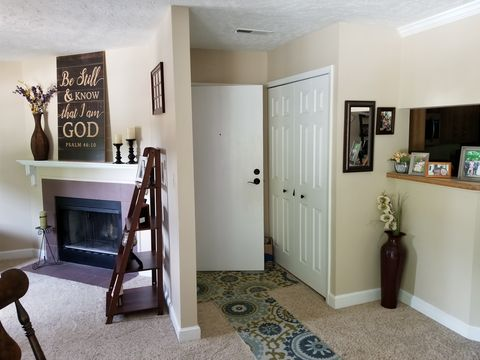 Photo of 1150 Tollis Pkwy Apt 323, Broadview Heights, OH 44147