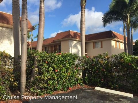 Photo of 515 S Sequoia Dr, West Palm Beach, FL 33409