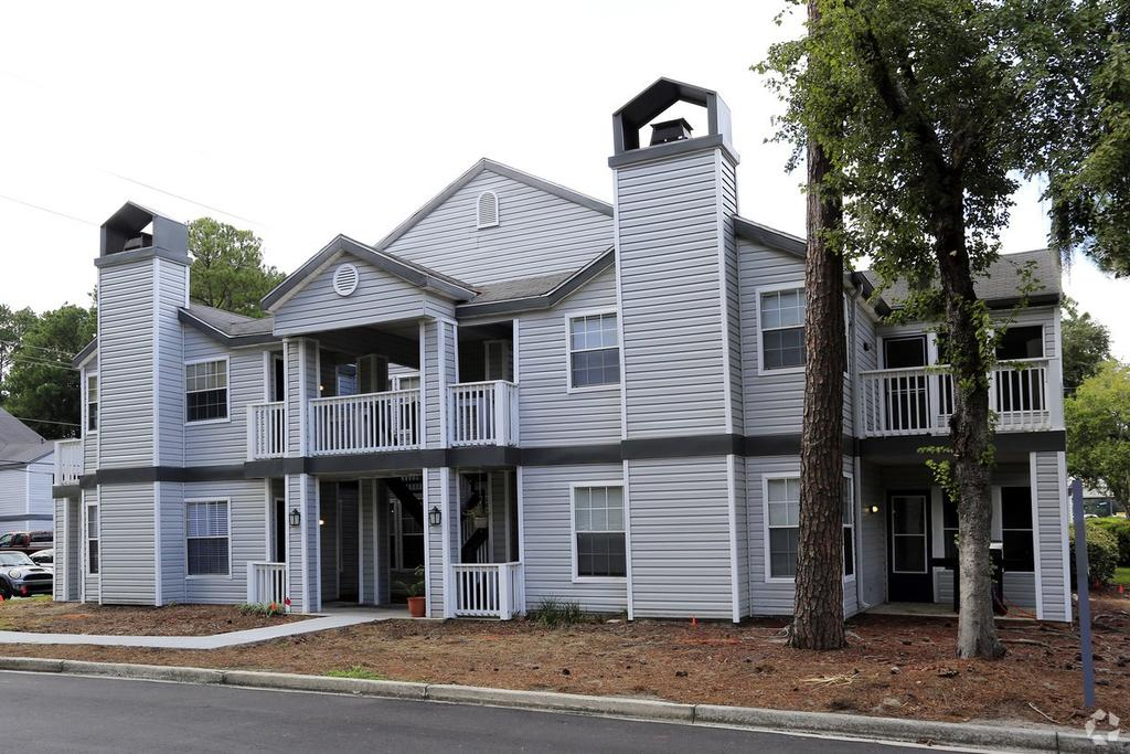 Student housing near scad universityparent for Apartments near savannah college of art and design