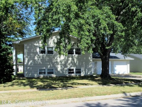 Photo of 1449-1451 S Chatham St, Janesville, WI 53546