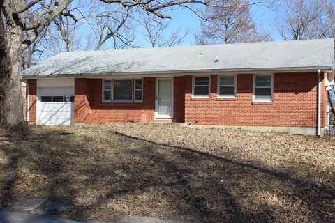 Photo of 121 S Hunter St, Independence, MO 64050