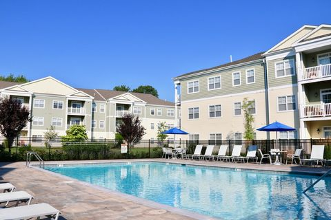 325 New State Rd, Manchester, CT 06042. Apartment For Rent