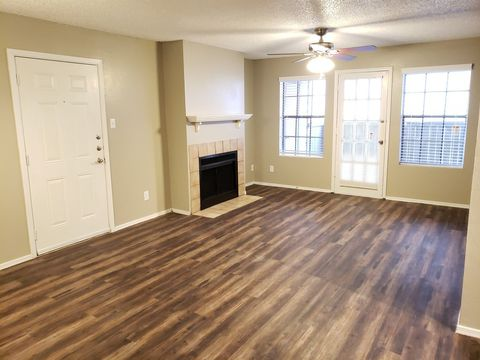 Photo of 5402 66th St, Lubbock, TX 79424