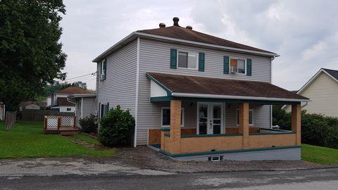 141 4th St, Acosta, PA 15520