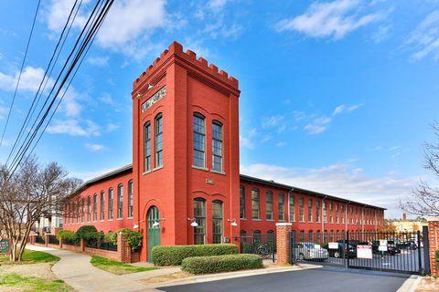 Photo of 220 Alpha Mill Ln, Charlotte, NC 28206