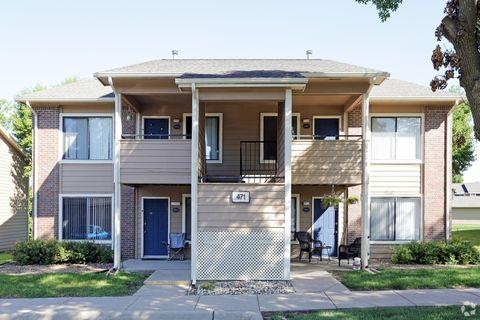 Photo of 6741 C Ave Ne, Cedar Rapids, IA 52402