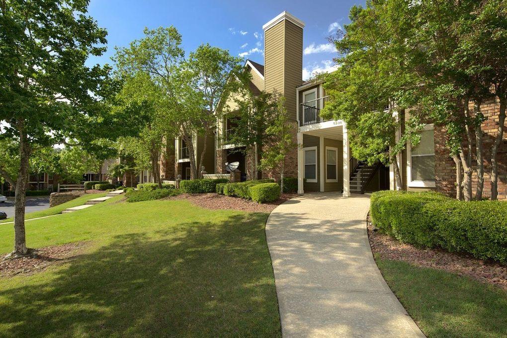 3800 Galleria Woods Dr, Hoover, AL 35244