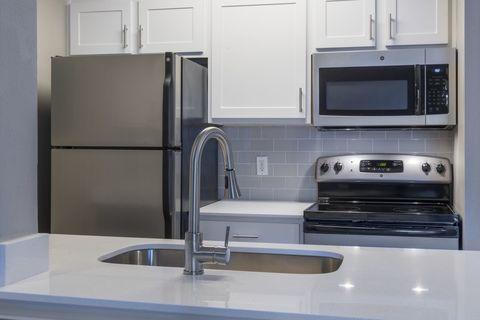 11100 Point Sylvan Cir, Orlando, FL 32825. Apartment For Rent