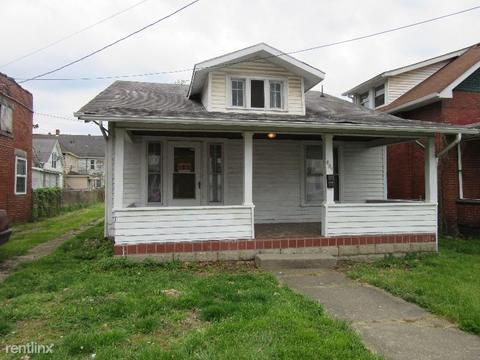 827 25th St, Huntington, WV 25703