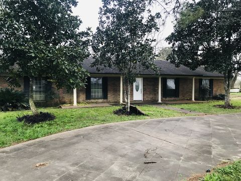 Photo of 1103 County Road 219, Angleton, TX 77515