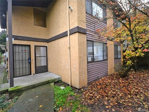 Photo of 503 N 105th St, Seattle, WA 98133