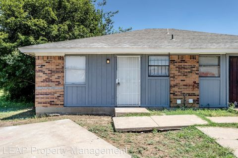 Photo of 5120 Humbert Ave, Fort Worth, TX 76107