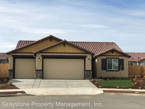 Photo of 1627 Marsh Ct, Los Banos, CA 93635