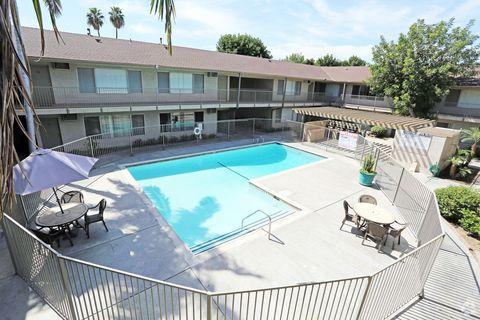 235 W Lincoln Ave, Orange, CA 92865