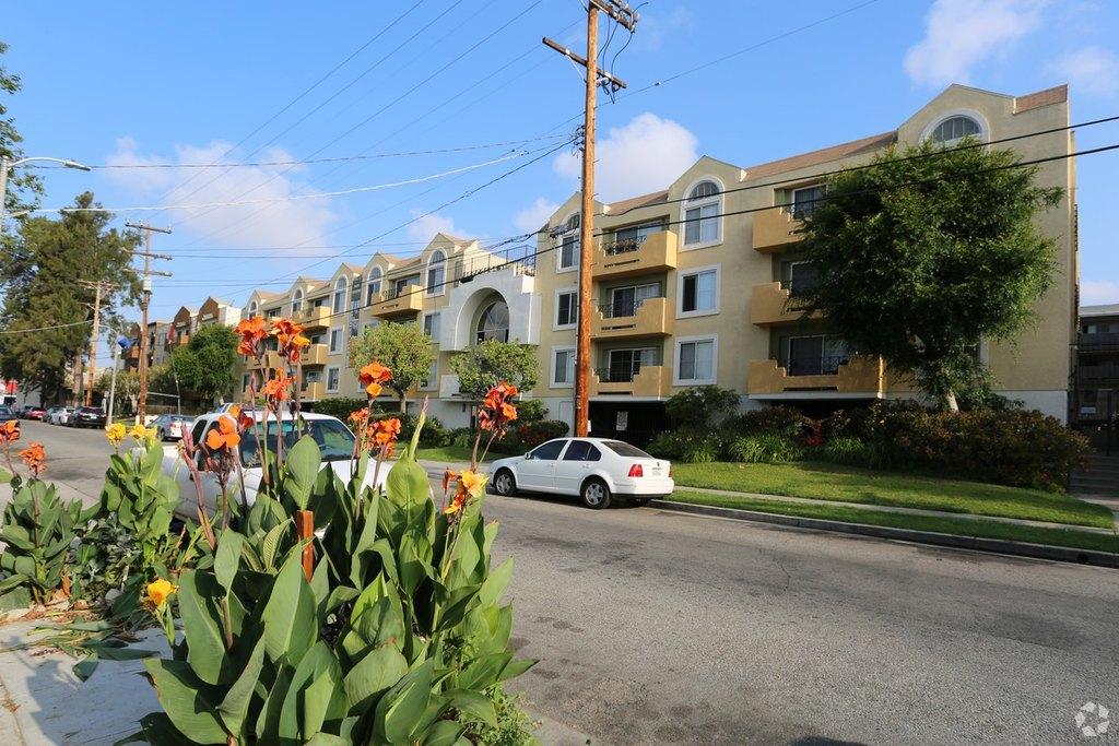 11047 Otsego St, North Hollywood, CA 91601