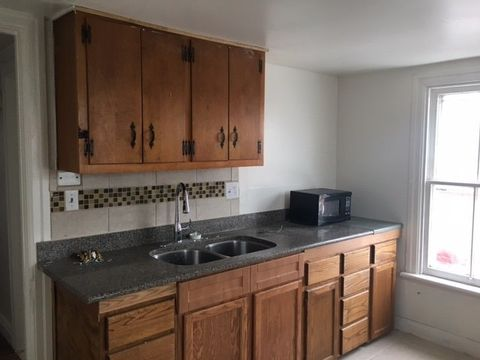 Photo of 43 W Franklin St Apt 3 E, Hagerstown, MD 21740