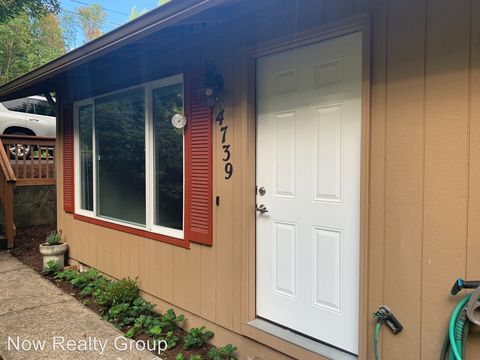 Photo of 4739 4741 Sw Beaverton-hillsdale Hwy, Portland, OR 97221
