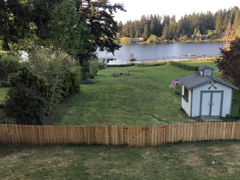 Photo of 1731 S Lake Stickney Dr, Lynnwood, WA 98087