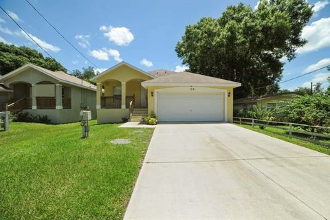 Photo of 109 5th St Ne, Ruskin, FL 33570