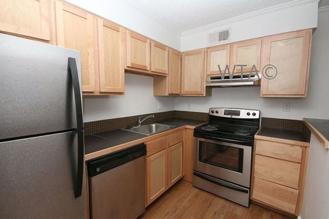 Photo of 2202 Unit 20311 And 2204 Enfield Rd, Austin, TX 78703