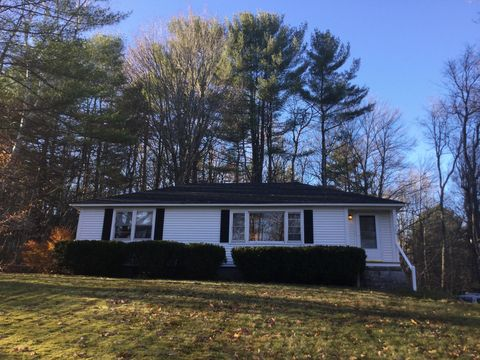 304 Center St, Wolfeboro, NH 03894