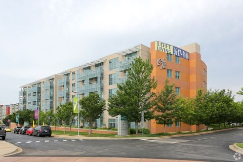 Photo of 1031 Highlands Plaza Dr W, Saint Louis, MO 63110