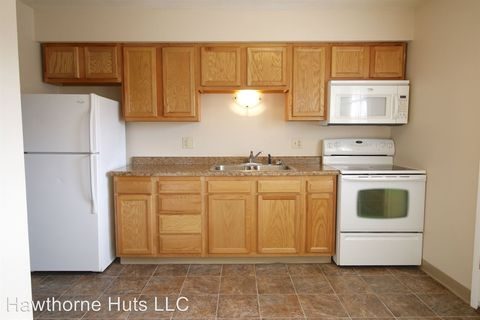 Photo of 1605-1615 Sunset St # 1-12, Grinnell, IA 50112