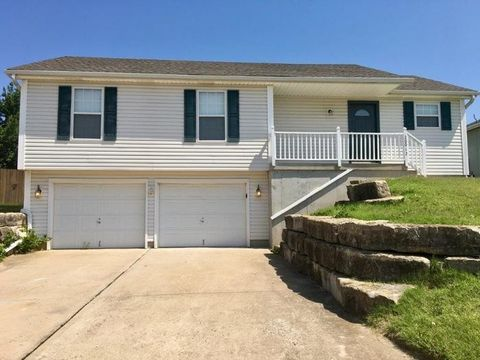 20012 E 17th Street Ct N, Independence, MO 64056