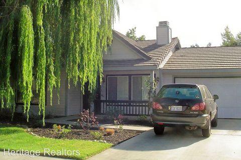 805 Wildwood Dr, Lemoore, CA 93245