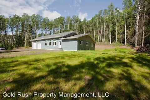 840 Redpoll Ln, Fairbanks, AK 99712