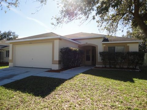 Photo Of 4511 Country Hills Blvd Plant City Fl 33563 House For Rent