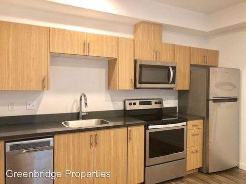 Photo of 9525 N Lombard St, Portland, OR 97203