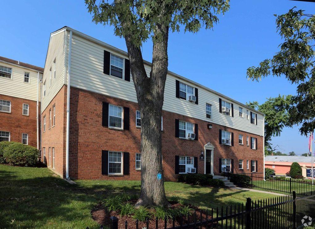1525 Elkwood Ln, Capitol Heights, MD 20743