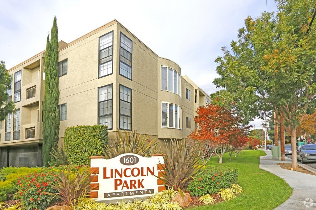 Lincoln Park Apartments