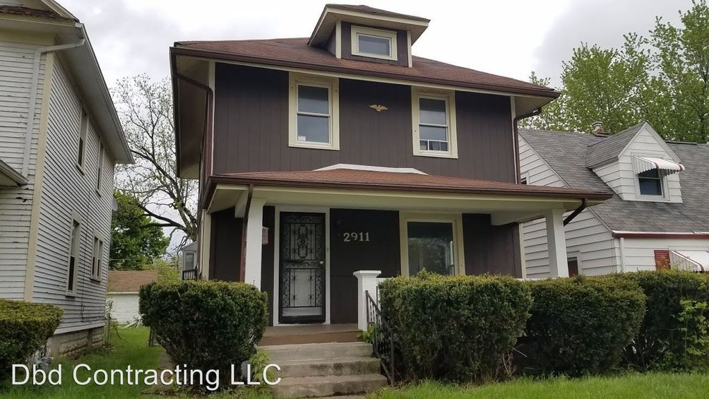 2911 Smith St, Fort Wayne, IN 46806