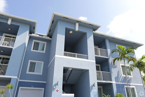 1445 W State Road 84, Fort Lauderdale, FL 33315
