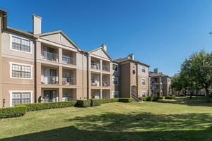 Photo Parkway Place 19002 Dallas Pkwy Tx 75287
