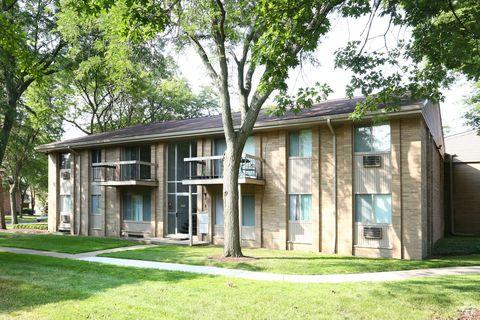 Photo of 1521 Pine Valley Blvd, Ann Arbor, MI 48104