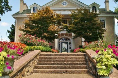 700 Mansion Cir, Chattanooga, TN 37405